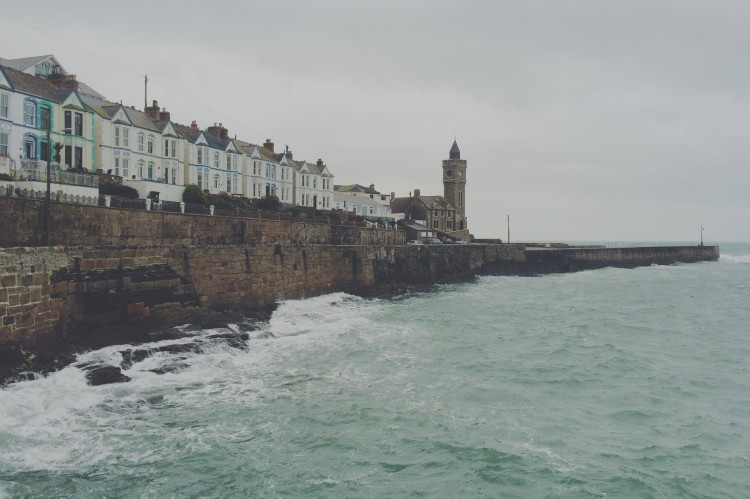 White houses and rough seas, Porthleven Cornwall, travel blog